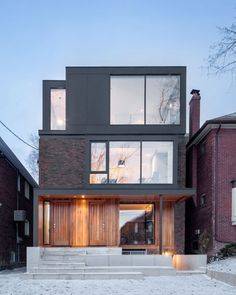 Articles about spacious toronto triplex responds rising urban density. Dwell is a platform for anyone to write about design and architecture. Architecture Résidentielle, Chinese Architecture, Futuristic Architecture, Cedar Cladding, Cedar Siding, Hillside House, Modern House Design, Modern Houses, Exterior Design