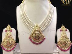 Pinterest: @pkaursekhon Antique Jewellery Designs, Gold Earrings Designs, Gold Jewellery Design, Necklace Designs, Indian Wedding Jewelry, Indian Jewelry, Pearl Necklace, Fashion Jewelry, Beads