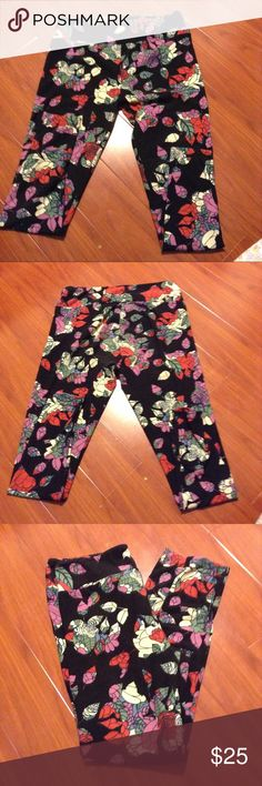 Lularoe Tall and curvy floral print leggings LuLaRoe Pants Leggings