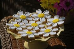 Daisy Sugar Cookies with Royal Icing