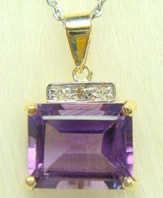 Gouden ketting hanger gezet met,- Geslepen Amethyst Edelsteen van 3,45 CT en afgwerkt met 3 Briljant geslepen diamanten 0,07 ct