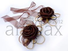 Chocolate coloured flax flower wrist corsage with hapene flax foliage and chocolate organza ribbon Wedding Cake Toppers, Wedding Cakes, New Zealand Flax, Flax Flowers, Wrist Corsage, Chocolate Color, Organza Ribbon, Bracelet Crafts, Corsages