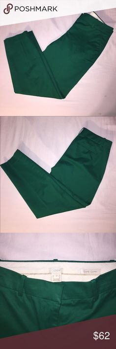 J.Crew Café Capri Pant NWOT 98% Cotton 2% Spandex.                                      Kelly Green Color.                                                 Sits just above hip. Fitted through hip and thigh, with a cropped, straight leg. J. Crew Pants Capris