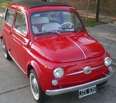 Fiat 500 Giardiniera Italiano modelo 1963 restaurado 100% con repuestos originales.  http://www.arcar.org/fiat-500-giardiniera-1963-47601
