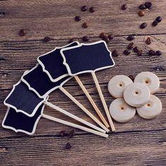 Mini chalk boards set of 10 pieces Great boards that will find a whole range of applications in every home. You can leave messages for them, sign flowers, write a guest menu, sign a place at the table, or give the children a toy. The use of these wonderful boards depends on your needs. https://www.cosmopolitus.com/mini-dosky-kusov-sada-p-243410.html?language=en&pID=243410 #Chalk #board #mini #drawing #message #home #guests #children #toy #flowers #menu