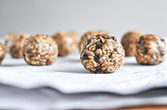 Quick   Easy No Bake Oatmeal Peanut Butter Bites.