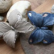 Украшения ручной работы. Ярмарка Мастеров - ручная работа Jeans butterfly. Handmade. Butterfly Art And Craft, Fabric Butterfly, Fabric Flowers, Jean Crafts, Denim Crafts, Blue Jean Quilts, Fabric Embellishment, Denim Flowers, Fabric Brooch