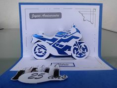 Kirigami moto 3d Paper Art, Paper Crafts, Pop Up Card Templates, Tarjetas Pop Up, 3d Sketch, Paper Architecture, Pop Up Art, Origami And Kirigami, Blue Nose Friends