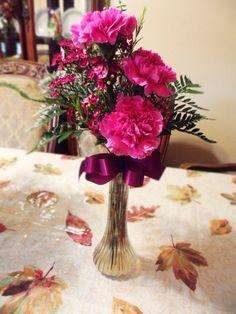 Bud vase arrangement that I made in floral.