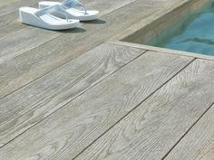 Buitenvloer eiken grijs (plank 17,6 x 3,2 x 360 cm)