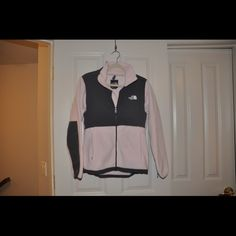 NORTH FACE PINK GRAY FLEECE Perfect condition. Women's medium. North Face Jackets & Coats