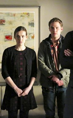 JEMMA SIMMONS AND LEO FITZ I didn't realise how much taller he was than her i thought they were the same height ( just a bit random) but this makes them even more adorable as she would have to lean up to kiss him