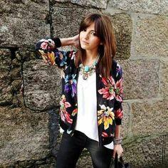 0359cf6eb309 Comment la porter - la veste fleurie Bomber Femme Fleuri