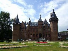 De Haar Castle in Utrecht, #thenetherlands #castle #beautifulplaces