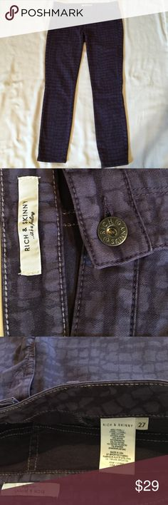 Skinny pants Rich & Skinny, size27, made in USA, purple color with animal print, 42% Lyocell/33% Cotton/15% Rayon/9% Polyester/1% Spandex, stretchy and comfortable, worn in good condition Rich & Skinny Jeans Skinny
