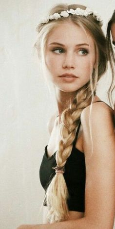 //FC:Scarlett Leithold//Hi, I'm Braaeton. Im I'm kind of quiet and shy. I love being outdoors and nature. I love King David. I'm one of the selected and i wish he would wake up (hair styles drawing) Girls Characters, Female Characters, Scarlett Leithold, Beauté Blonde, Female Character Inspiration, Woman Face, Pretty Face, Pretty People, Hair Beauty