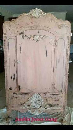 Sweet Pickins Milk Paint Tickled Pink and Miss Lillian's NO-Wax Chock Paint Cobblestone