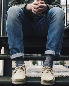 Summer Beaters ✔️ New Clarks Originals Wallabees have got us scared to go ou… Best Clothing Brands, Mens Clothing Sale, Discount Mens Clothing, Men's Clothing, Clothes Sale, Cool Outfits For Men, Bon Look, Clarks Originals, Designer Clothes For Men