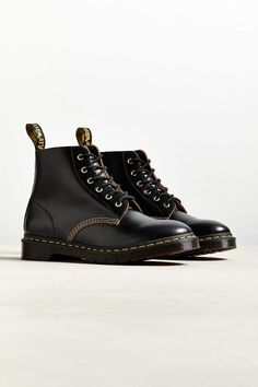 buy online 4baa8 ef86a Dr. Martens 101 Arc 6-Eye Boot