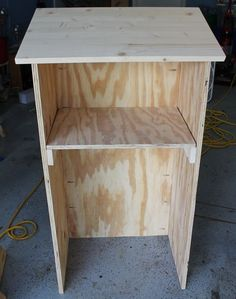 DIY podium- would love to have this to keep my stuff on. Missed having one this year