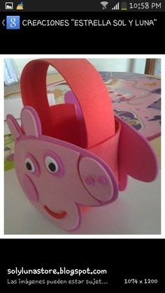 Peppa pig foami purse Pepper Pig Party Ideas, Diy Gift Box Template, George Pig Party, Pig Candy, Aniversario Peppa Pig, Xmas Crafts, Diy Crafts, Diy Hair Bows, Christmas Bags