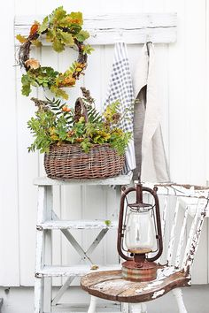 If you love the Fresh Fall Farmhouse Decor.then you are going to ADORE this collection of Fresh Fall Farmhouse Decor Ideas and DIY& Farmhouse Decor, Decor, Porch Decorating, Autumn Home, Farmhouse Fall Decor, Ladder Decor, Cottage Chic, Rustic Decor, Weathered Furniture
