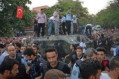 ترکی میں مارشل لاء' عوام راستے میں آ گئے