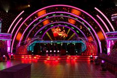 set design leds - Buscar con Google Tv Set Design, Stage Set Design, Display Design, Dual Screen Wallpaper, Stage Lighting Design, Concert Stage, Electric Forest, Exhibition Display, Staging