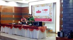 Prestige Bandhan, a multi-cuisine cookery show - held at Prestige Smart Kitchen store, Jamnagar. Chef Kiran Madlani with her team Smart Kitchen, Kitchen Store, Kitchen Hacks, Kitchen Outlets, Cleaning Hacks, Fun, Kitchens, Kitchen Themes, Hilarious