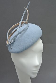 Best Winter Fashion Outfits Part 9 Millinery Hats, Pillbox Hat, Crochet Bikini Pattern, Crazy Hats, Cocktail Hat, Accesorios Casual, Fancy Hats, Love Hat, Winter Fashion Outfits
