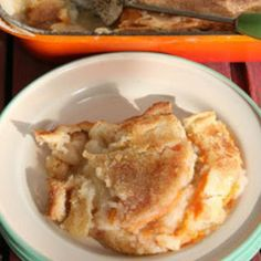 Sweet Potato Cobbler by Saveur. A trick we learned while getting this recipe is to make an extra top crust along with the cobbler. This way you can replace the quickly eaten up original, making two cobblers out of one. Sweet Potato Cobbler, Sweet Potato Recipes, Cooking Sweet Potatoes, Healthy Potatoes, 9x13 Baking Dish, Cooking Recipes, Pie Recipes, Recipies, Easy Recipes