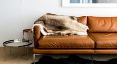 Perfect match: Side table HABIBI by Philipp Mainzer in Manly Residence, Sydney, Australia, by cm studio, with leather sofa. / www.e15.com #e15