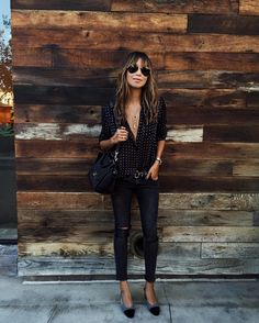 sincerelyjulesKeepin it basic. | @shop_sincerelyjules Brooklyn jeans. Shopsincerelyjules.com