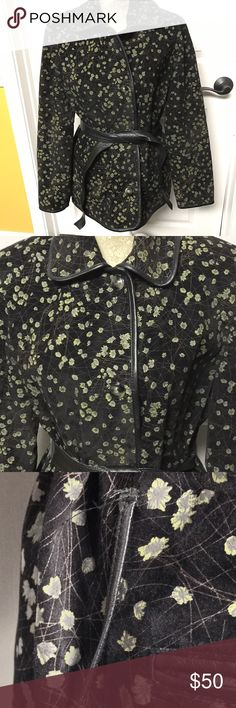 VTG BARCELINO LEATHER JACKET BLACK W/FLORAL 40 VINTAGE BARCELINO MADE IN ITALY WOMENS LEATHER COAT BLACK WITH GREEN FLORAL DESIGN.  THE SIZE IS 40, 2-4 IN US SIZE.  THE JACKET IS IN GREAT CONDITION BUT ONE OF THE BELT LOOPS ARE RIPPED. THE JACKET IS MADE OF NATURAL LEATHER AND LINING IS 100% VISCOSE. BARCELINO Jackets & Coats