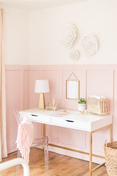 Pink and Gold Girls Bedroom 2019 A beautiful Pink and Gold Girls Bedroom with a modern yet delicate touch fun seating and functional desk space perfect for all ages! The post Pink and Gold Girls Bedroom 2019 appeared first on Bedroom ideas. Bedroom Desk, White Bedroom, Home Decor Bedroom, Modern Bedroom, Bedroom Furniture, Bed Room, Bedroom Hacks, Pink Gold Bedroom, Pink Home Decor