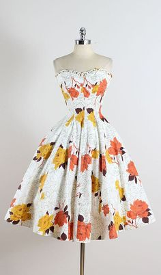 ➳ vintage 1950s dress * white cotton * beautiful fall floral print * bodice trim accent * metal side zipper condition | excellent fits like