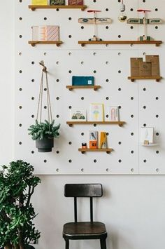 37 Astonishing Pegboard Design Ideas For All Your Needs To Try Asap - Pegboard is a great material for keeping tools, accessories, gadgets and other supplies handy and well-organized. Because you can customize a pegboard. Peg Board Shelves, Peg Board Walls, Diy Peg Board, Peg Boards, Pegboard Display, Pegboard Storage, White Pegboard, Storage Organizers, Display Wall
