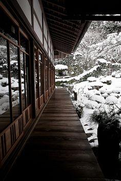 Ohara Sanzen-in Temple, Kyoto (京都市), Japan (日本) Japanese Architecture, Gothic Architecture, Wooden Architecture, Pavilion Architecture, Sustainable Architecture, Residential Architecture, Contemporary Architecture, Winter In Japan, Kyoto Winter