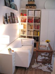"Receive terrific tips on ""murphy bed ideas ikea apartment therapy"". They are actually accessible for you on our internet site. Studio Living, My Living Room, Home And Living, Ux Design, Home Design, Design Ideas, Interior Design, Mini Loft, Murphy Bed Ikea"