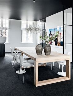 black ceiling On line advices for room makeovers. 50e per room with noneed2buy.com