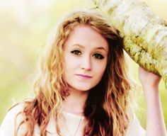 Janet Devlin- I can't get over how much she looks like me XP