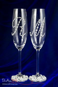 Personalized Wedding Champagne Flutes, Wedding Glasses for Bride and Groom, Glam Wedding Decor, Champagne Glasses, Engraved Champagne Flutes Engraved Champagne Flutes, Wedding Toasting Glasses, Wedding Champagne Flutes, Champagne Glasses, Toasting Flutes, Diy Wine Glasses, Decorated Wine Glasses, Bride And Groom Glasses, Bride Groom