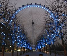 London Eye in England. I've been to London but we didn't see this. Love Blue, New Blue, London Eye, Blue Christmas, Christmas Lights, Christmas Time, Christmas Deco, Merry Christmas, Pretty Pictures