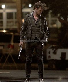 Colin O'Donoghue Captain Hook - Killian Jones -Once Upon A Time Josh Dallas, Killian Jones, Ginnifer Goodwin, Captain Swan, Captain Hook, No Time For Me, All About Time, Dark Swan, Abc Tv Shows