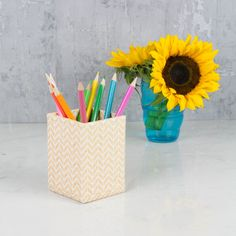 A practical pen and pencil pot available this lovely geometric design. All our beautiful handmade stationery and storage products are produced in an eco-friendly way, from 100% recycled materials