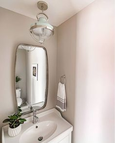 Half Bath Remodel Ideas  #bathroomlighting  Make the smallest room in your house your favorite. Half baths are the perfect place to take a design risk and add unique lighting   @redraz 💡: Crew by Hinkley  #hinkleystyle #lighting #interiorstyle #interiorlighting #interiordesign #interiordecor #interiorinspo #interiorinspiration #bathroomdecor #bathroomdesign #bathroomstyle #bathroomliving #bathroomrenovation #bathroominspo Interior Lighting, Interior Styling, Interior Decorating, Unique Lighting, Lighting Ideas, Half Bath Remodel, Small Space Living, Glass Globe, Rustic Industrial