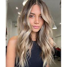 Fall Hair Colors, Hair Colour, Bombshell Beauty, Autumn, Long Hair Styles, Colour Trends, Beautiful, Book, Red