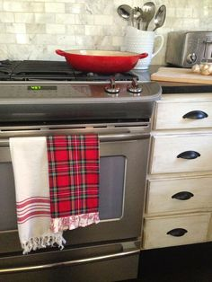 Love a little plaid in the kitchen at this time of year!