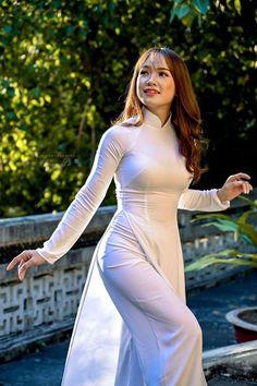 The Most Beautiful Girl Beautiful Asian Girls Elegant Girl Pretty Girls Thai Dress Vietnamese Dress Ao Dai Vietnam Vietnam Girl Vietnam Costume Vietnamese Traditional Dress, Vietnamese Dress, Traditional Dresses, Ao Dai, Long Dress Fashion, Vietnam Girl, Elegant Girl, Thai Dress, Oriental Fashion