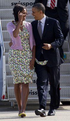 Barack y Michelle Obama, unidos y entrañables delante y detrás de las cámaras #politician #people #couples